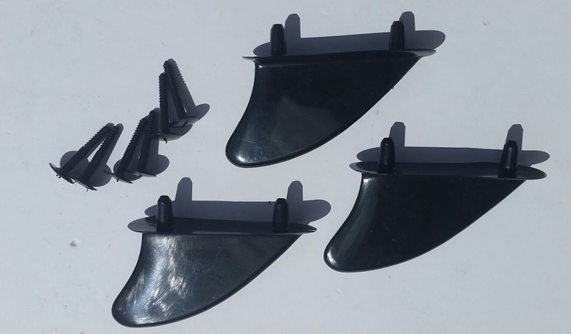 PLASTIC BODY BOARD FINS TRI SET W/SCREWS