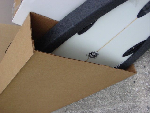 SURFBOARD BOX